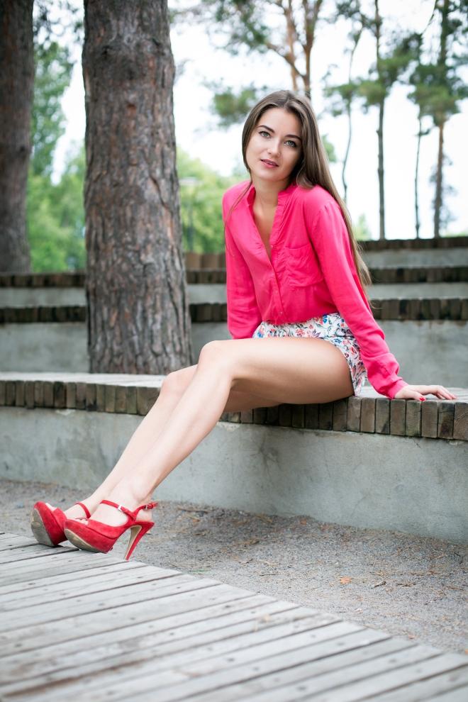Русские артистки в очень коротких юбках фото 517-947