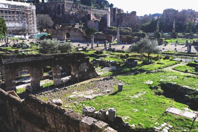 Самая древняя прослойка Рима, один великий город какбы стоит на другом, еще более древнем.