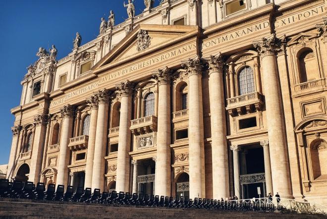 В Ватикан мы попали с самого утра, уже к обеду тут было не протолкнуться! Совет!